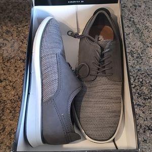NWT Men's stylish shoe